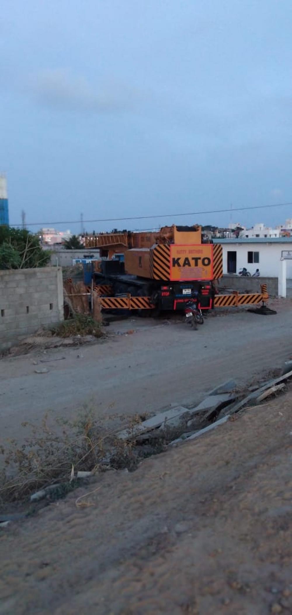 Kato NK1200 Crane image 4