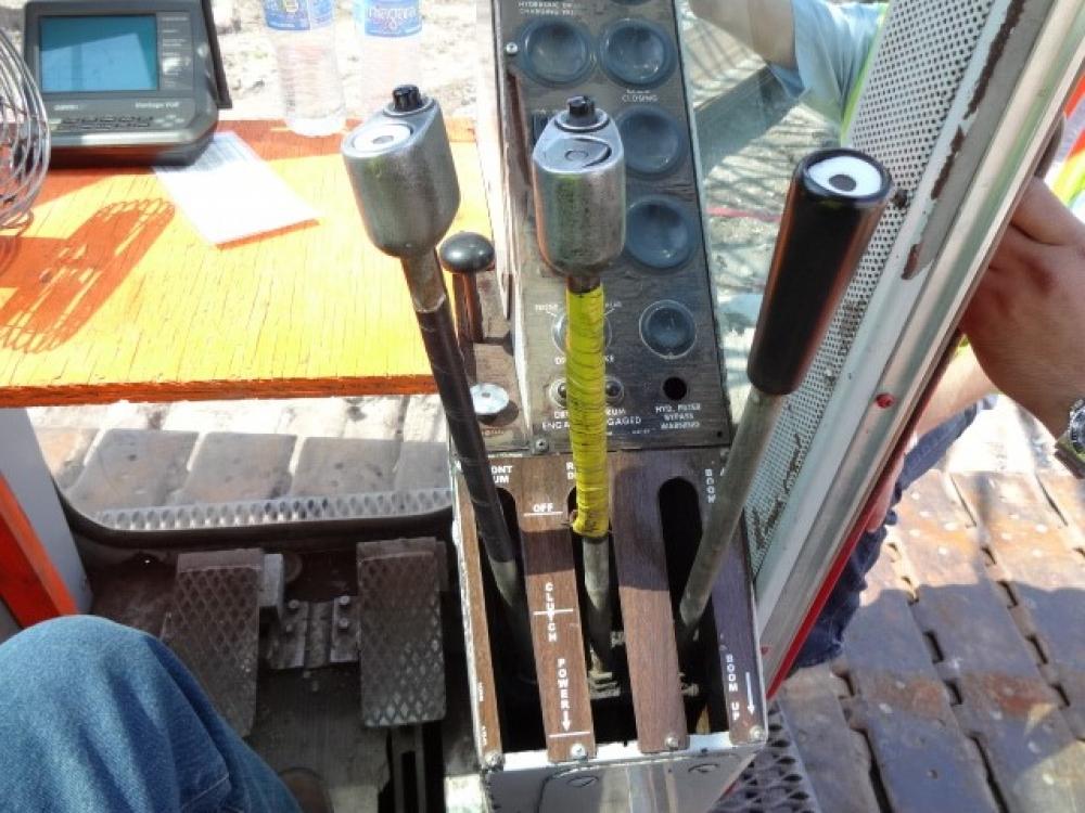 Manitowoc 4100 SERIES 2 RINGER Crane image 1