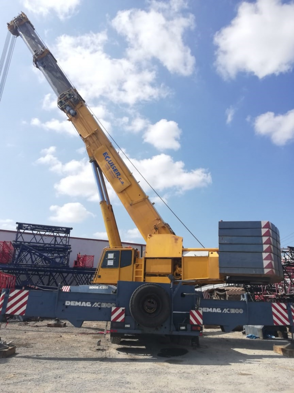 Demag AC1300 Crane image 3
