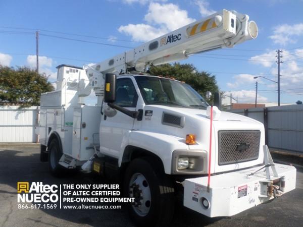 2010   Altec  DM47TR  Digger Derrick (Utility) Cranes