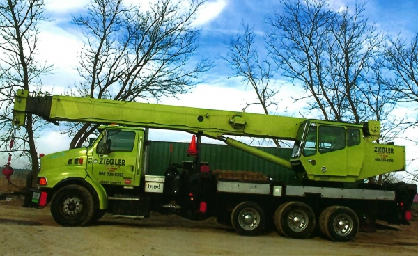 2002   National  18127  Boom Trucks