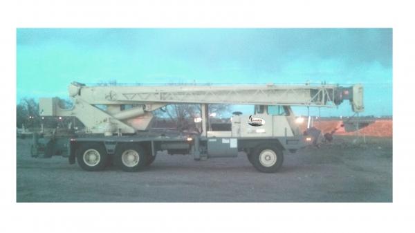 Lorain MCH 230E Crane image 1